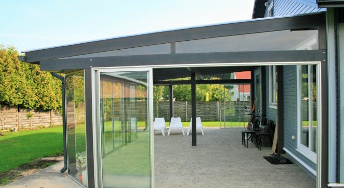 LEAN TO CONSERVATORY V