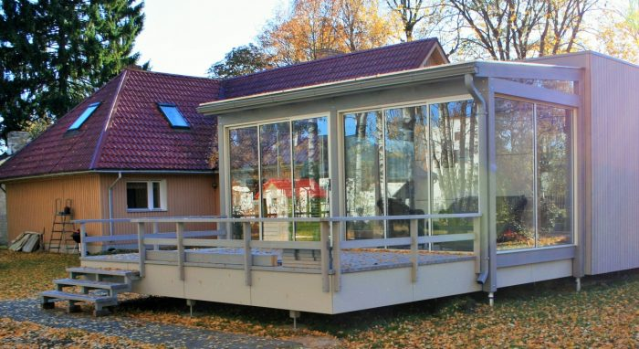 LEAN TO CONSERVATORY IX