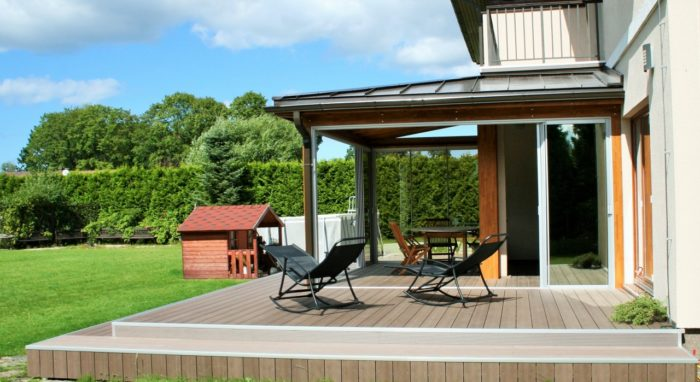 Sun room with decking for your privacy