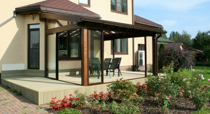 Sun room with decking for your private home